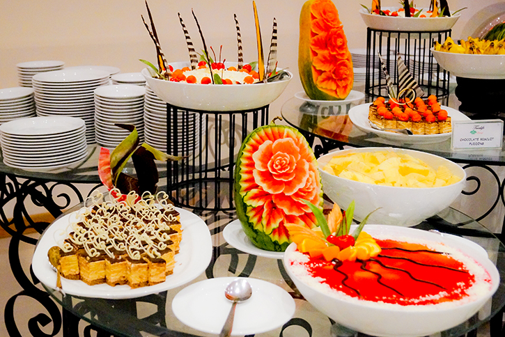 desert treats at tree of life lounge-Best Kandy wedding hotels